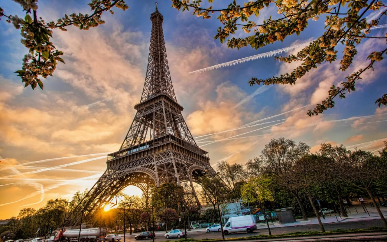 Paris In Love (In just 4 paragraphs)